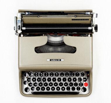 14_Palainco_Olivetti_Typewriter_Lettera_22_1949_Marcello_Nizzoli