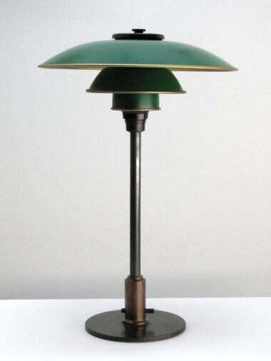 05_Palainco_Louis_Poulsen_Poul_Henningsen_PH_Table_Lamp_Gallery_L7